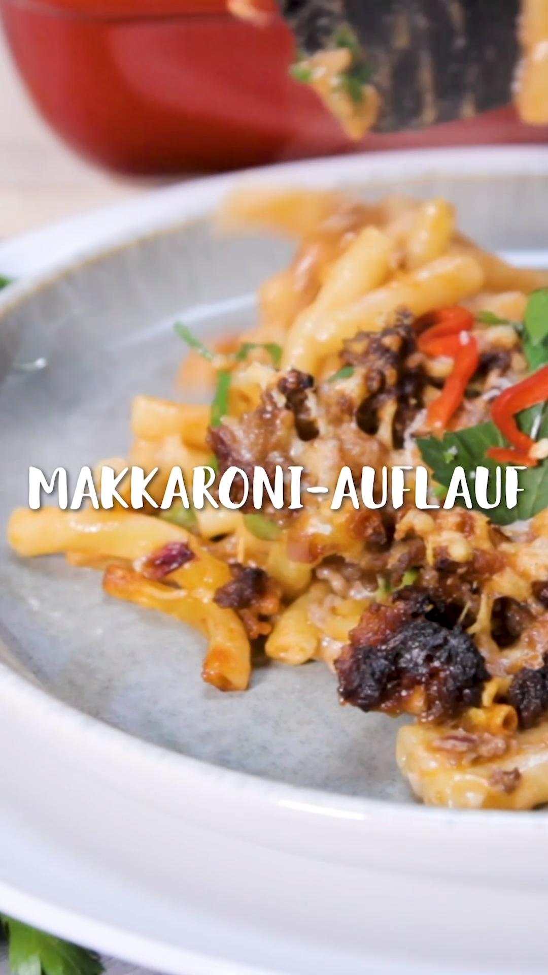 Makkaroni-Auflauf mit Hackfleisch und Erbsen