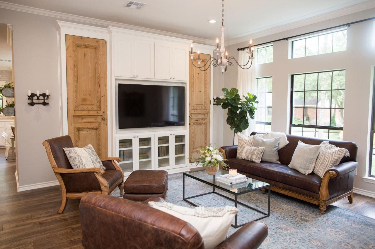 Find The Best Of Fixer Upper From Hgtv Fixer Upper Living Room Home Fixer Upper