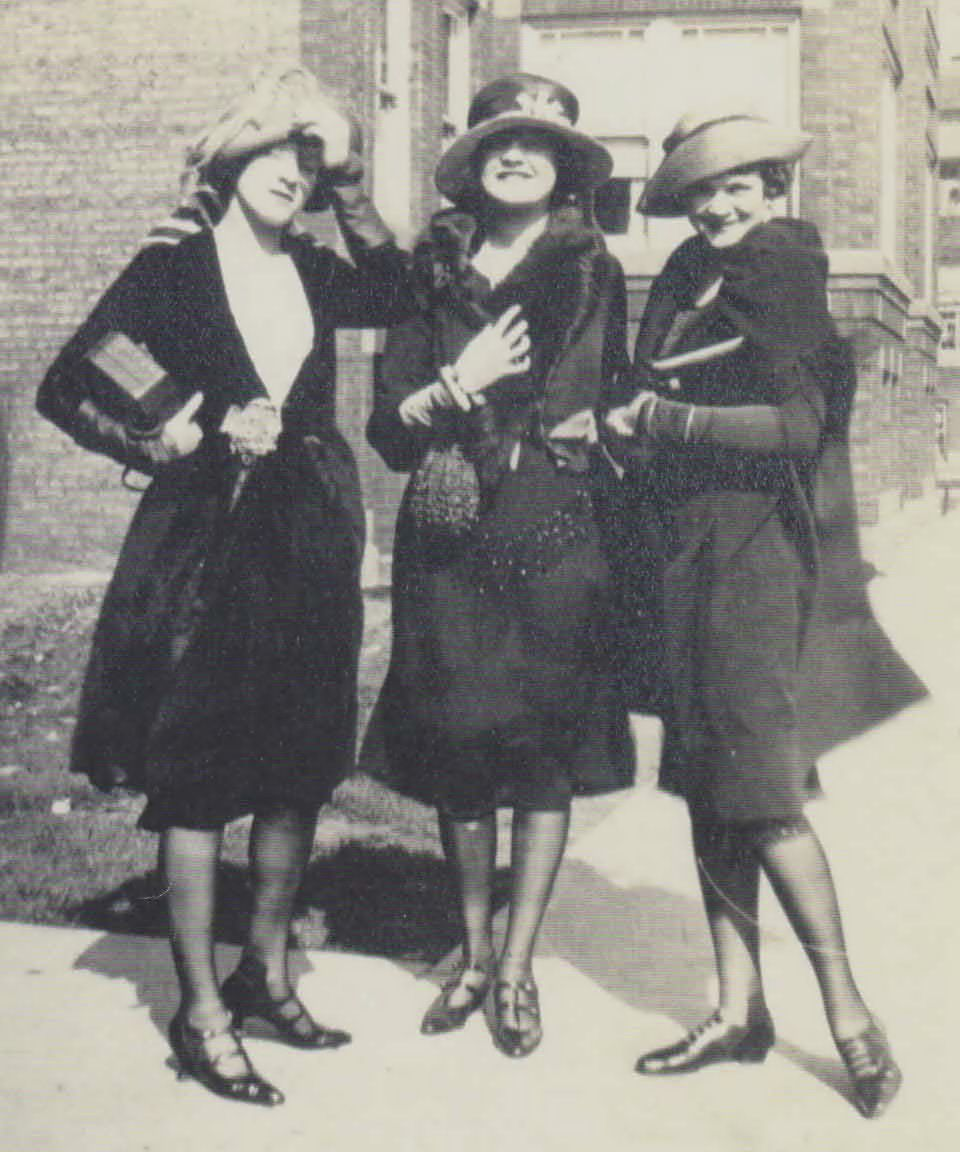 Evelyn, Verona and Bunny, 1922. Maybelline flappers.