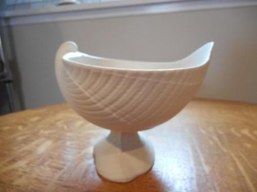 Wedgwood WHITE jasperware nautilus shell footed compote Pottery & Glass:Pottery & China:China & Dinnerware:Wedgwood