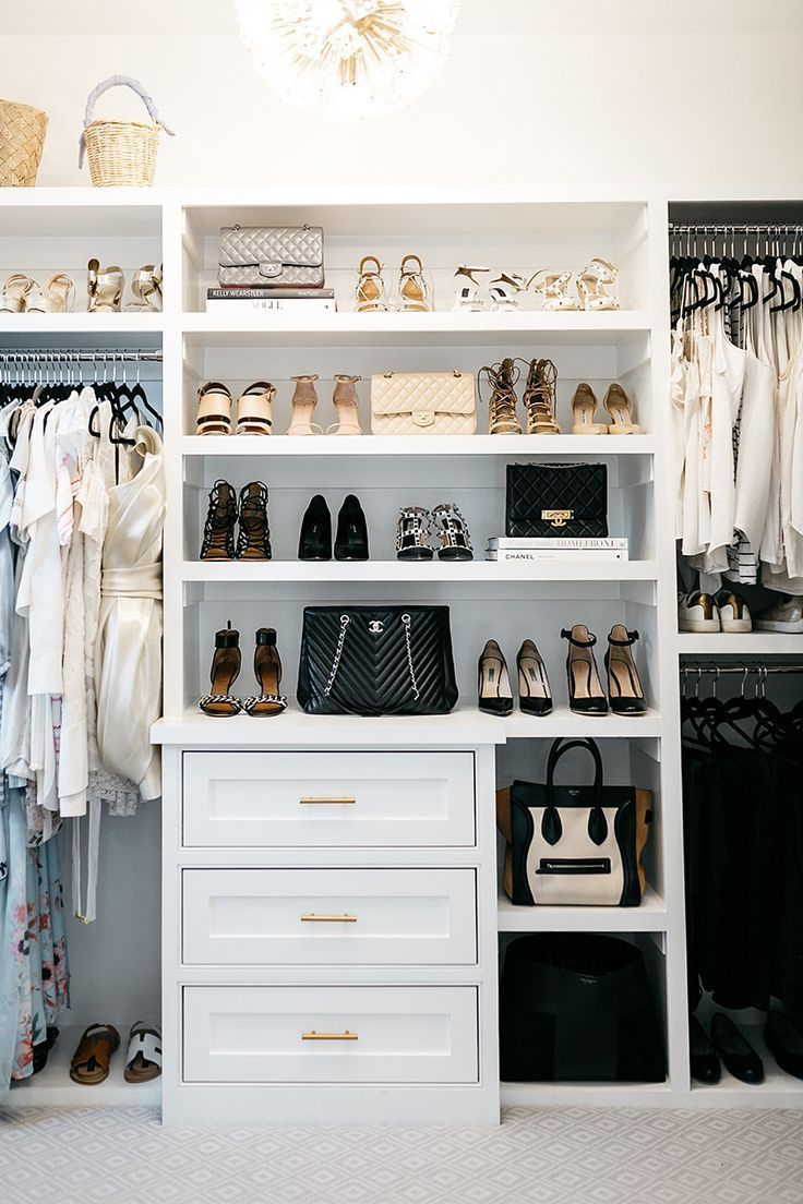 Master Bedroom Closet Reveal | Bank mit Schuh Cubbies. Liz - Trend NB
