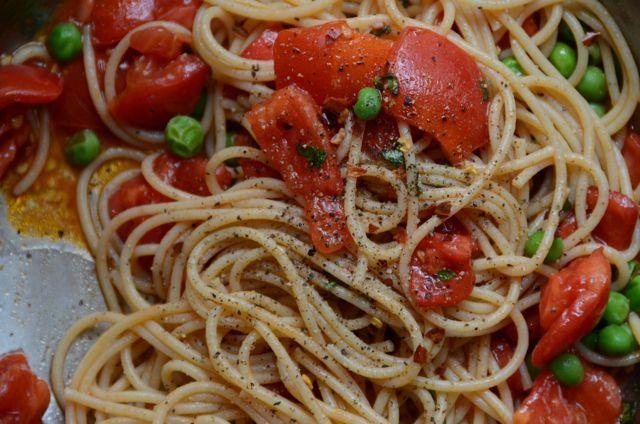 Quick Tomato-Basil Spaghetti | Flip Cookbook