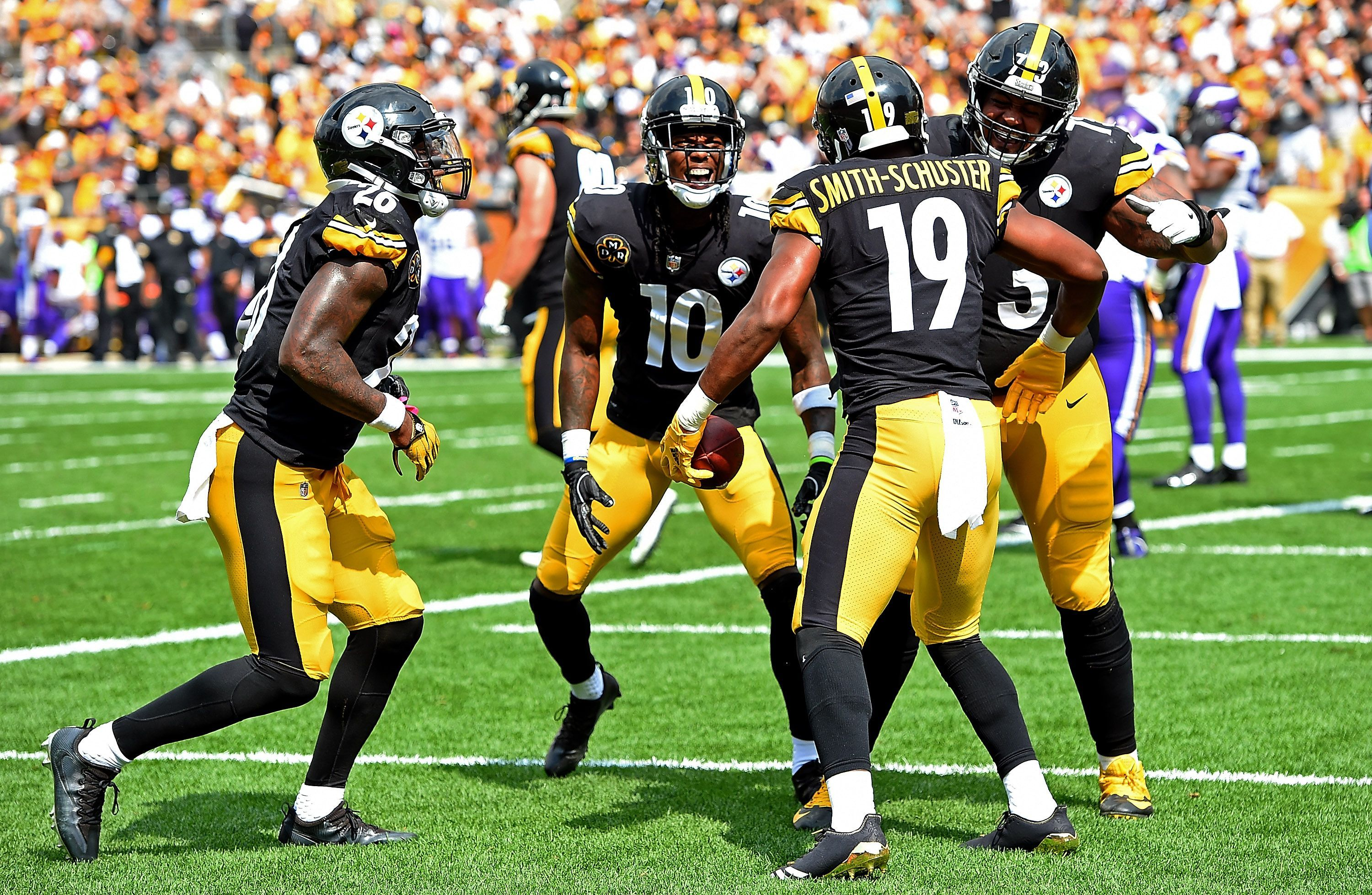 8472d926fdf NFL touchdown celebration of the week  Steelers  JuJu Smith-Schuster rolls  the dice