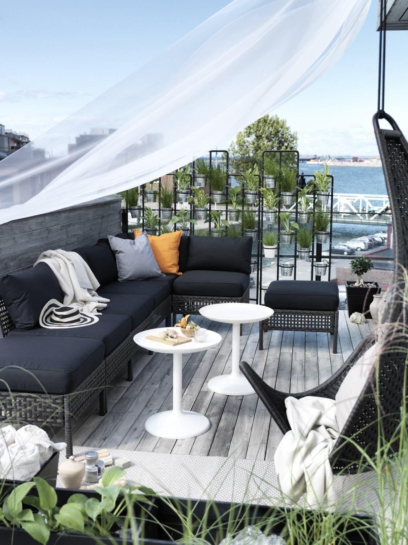 Piekne Aranzacje Tarasow Na Lato Ikea Outdoor Outdoor Spaces Ikea Garden Furniture