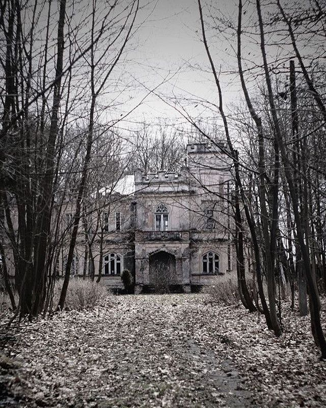 all abandoned - Abandoned mansion in Bucharest, Romania