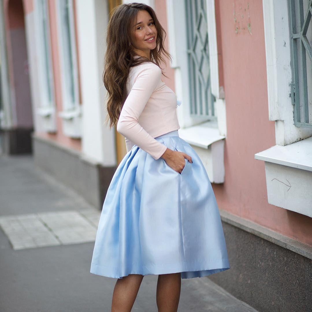 С чем носить юбку из неопрена? | Модные стили, Юбка ...