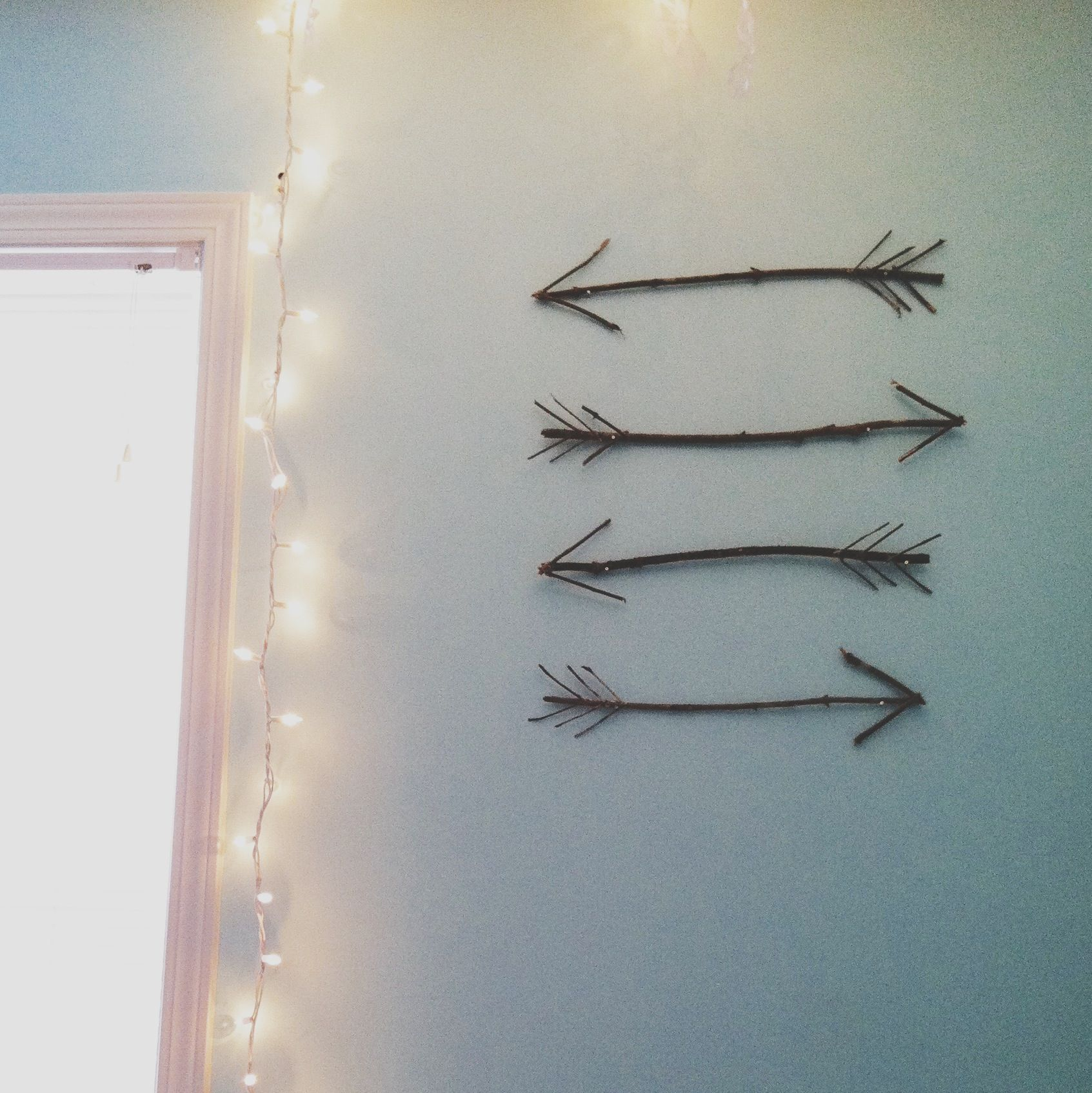 sticks hot glue nails diy arrows can do this but. Black Bedroom Furniture Sets. Home Design Ideas