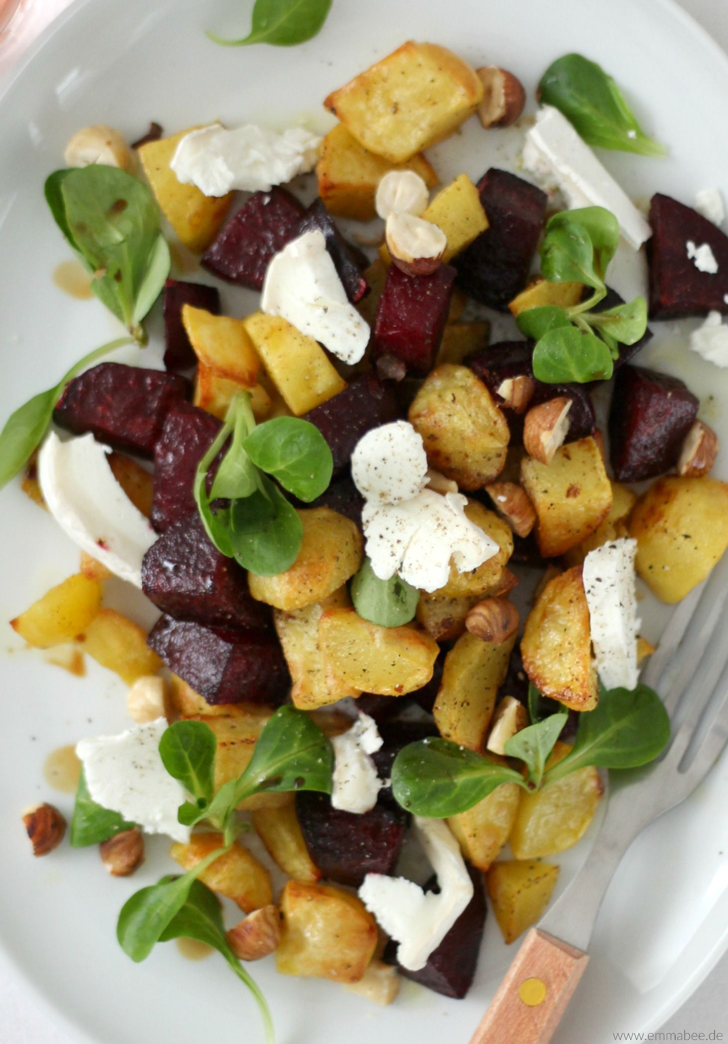 Photo of {Recipe} Warm organic beetroot salad with goat cheese and roasted hazelnuts – Emma Bee