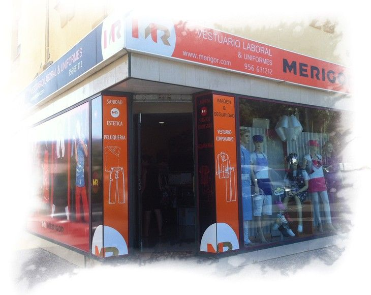 Nuestra tienda ubicada en Urbanización Balcón de la Bahía, frente a la Cámara de Comercio,e stá especializada en el sector servicios, salud y estética y en la hostelería.