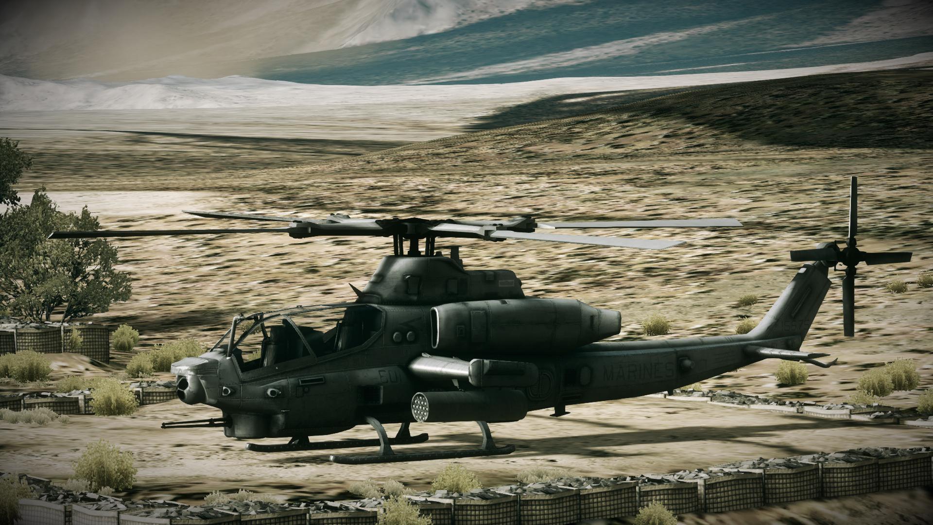 미 해병대 AH-1Z 바이퍼 상륙 공격헬기 2 - 자주국방네트워크-미 해병대 AH-1Z 바이퍼 상륙 공격헬기 2