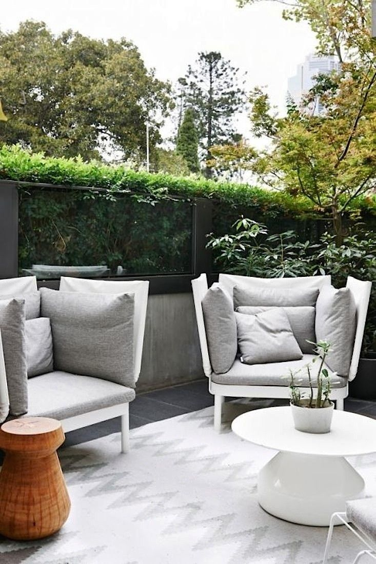 Steal This Look A Minimalist Melbourne Patio Gardenista Modern Outdoor Spaces Terrace Decor Outdoor Spaces - Outdoor Furniture Clearance Melbourne