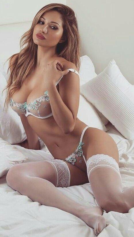 Pin De Robin En Chicas Sexis En 2019 Chicas En Bikini