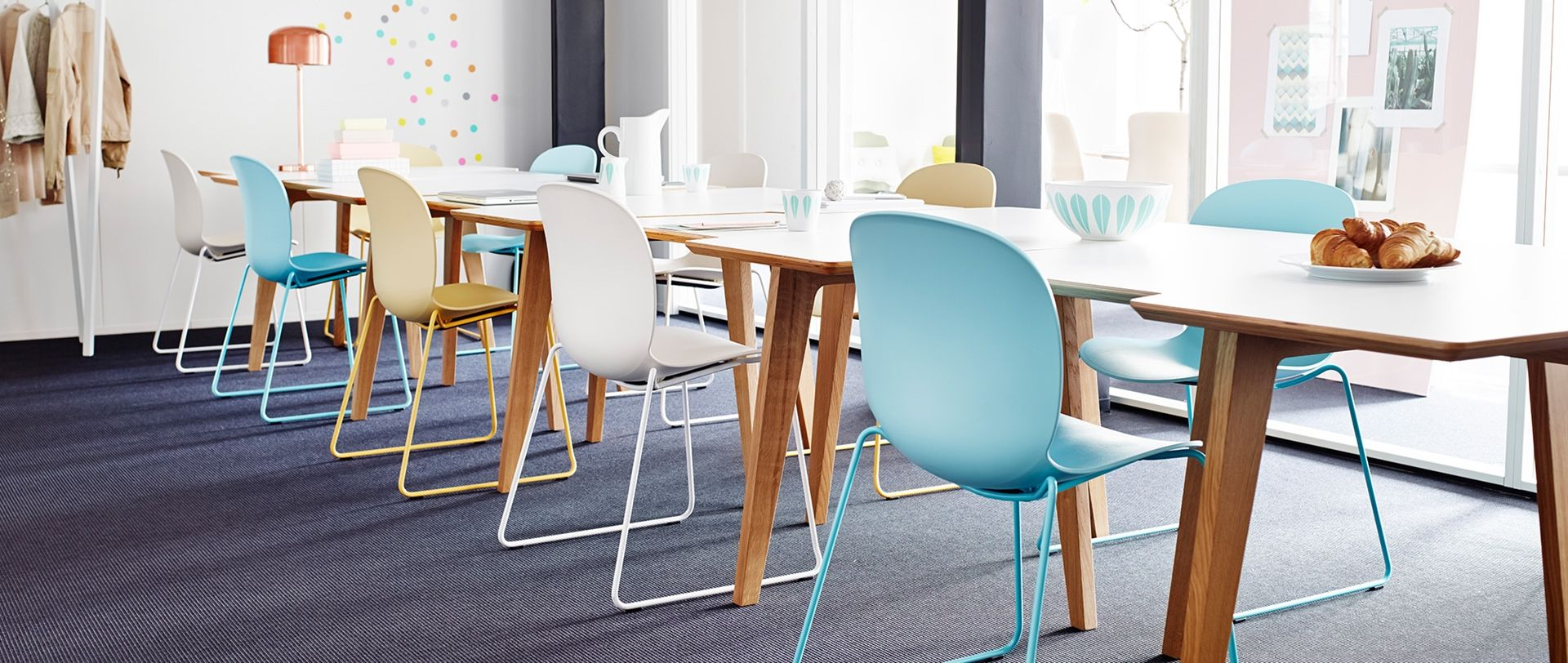 Pin By Flokk Sustainable Office Fur On My Furniture Pins Cafe Seating Cafe Chairs Table