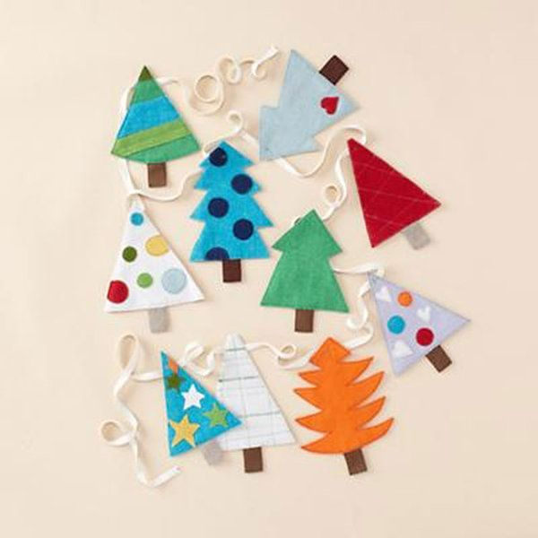 Easy Diy Felt Christmas Tree Garland Simple Holiday Decor Felt Christmas Tree Diy Felt Christmas Tree Christmas Tree Garland