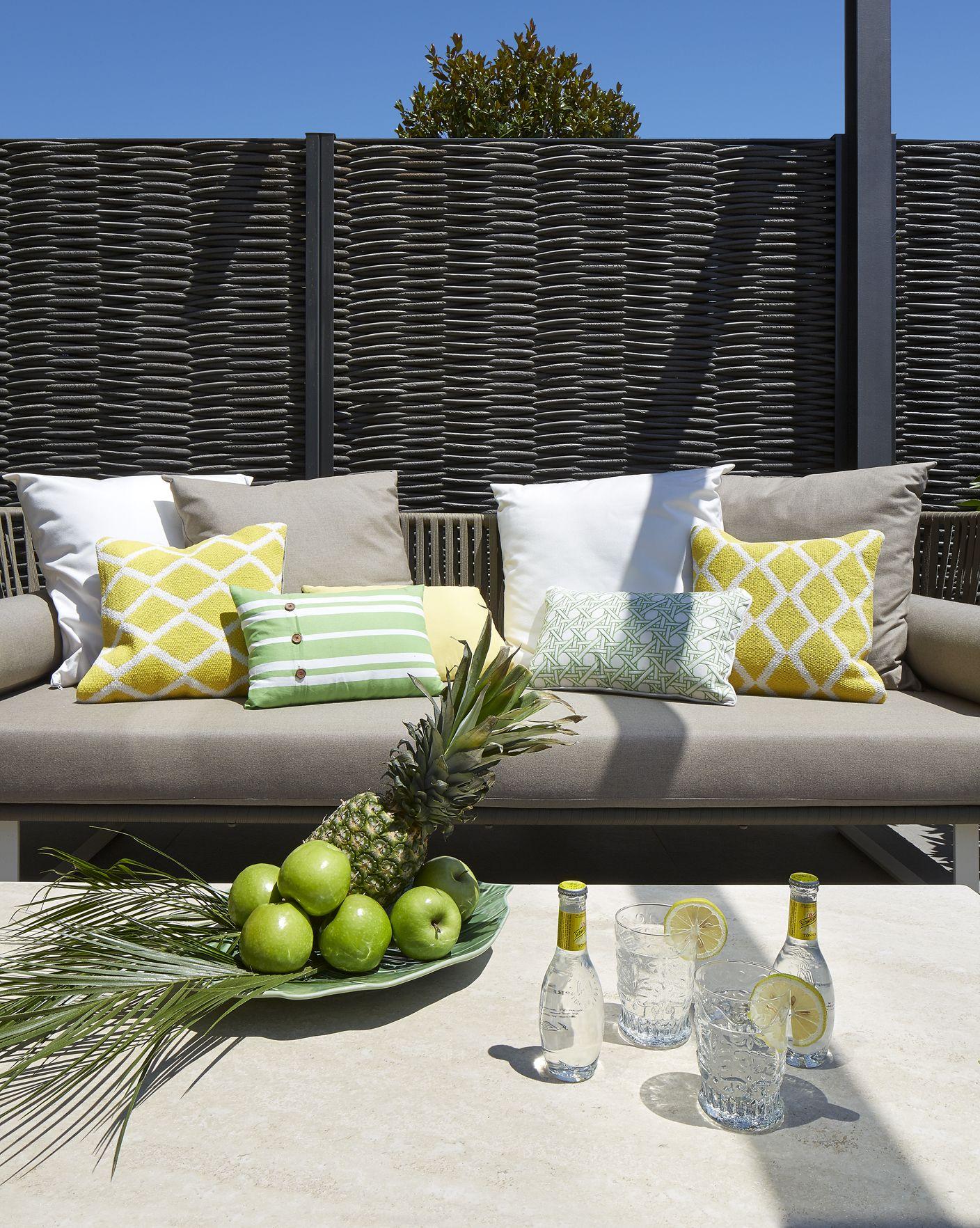Molins interiors arquitectura interior interiorismo for Jardineria al aire libre casa pendiente