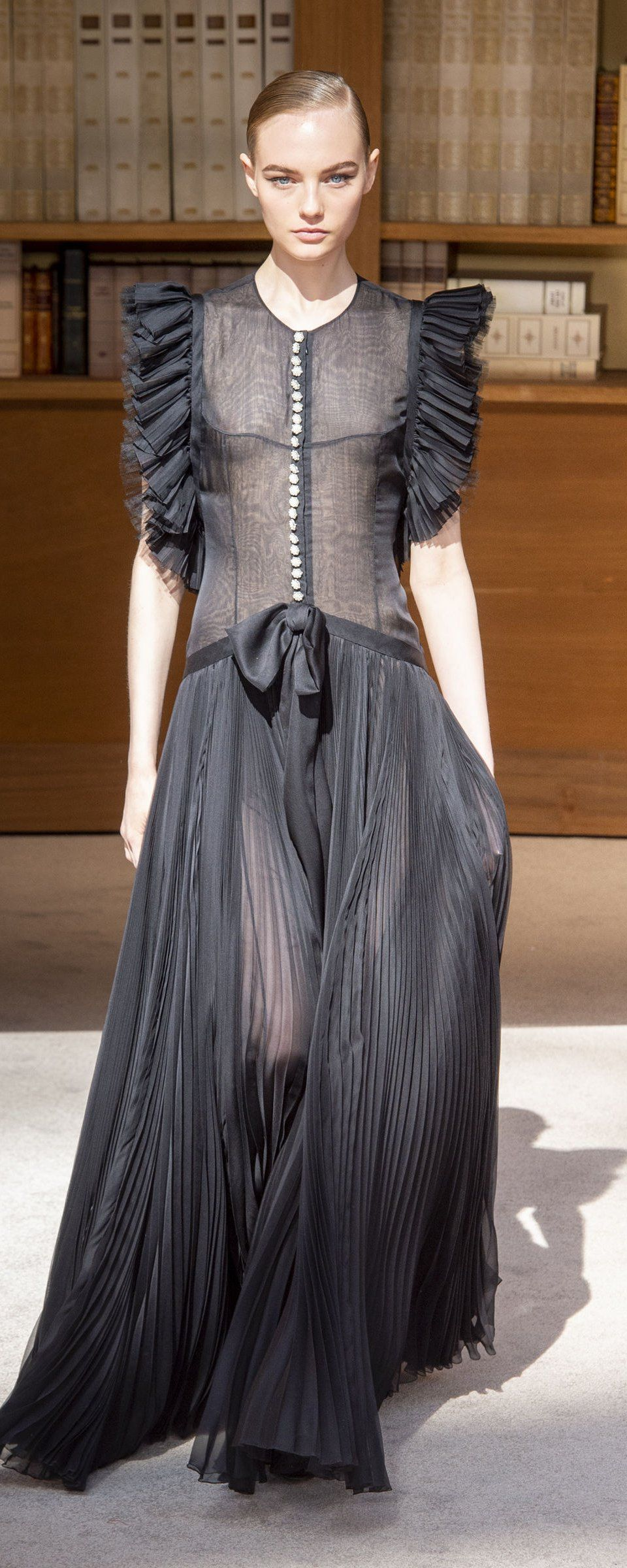 Chanel Fallwinter 20192020 Couture in 2020 Fashion