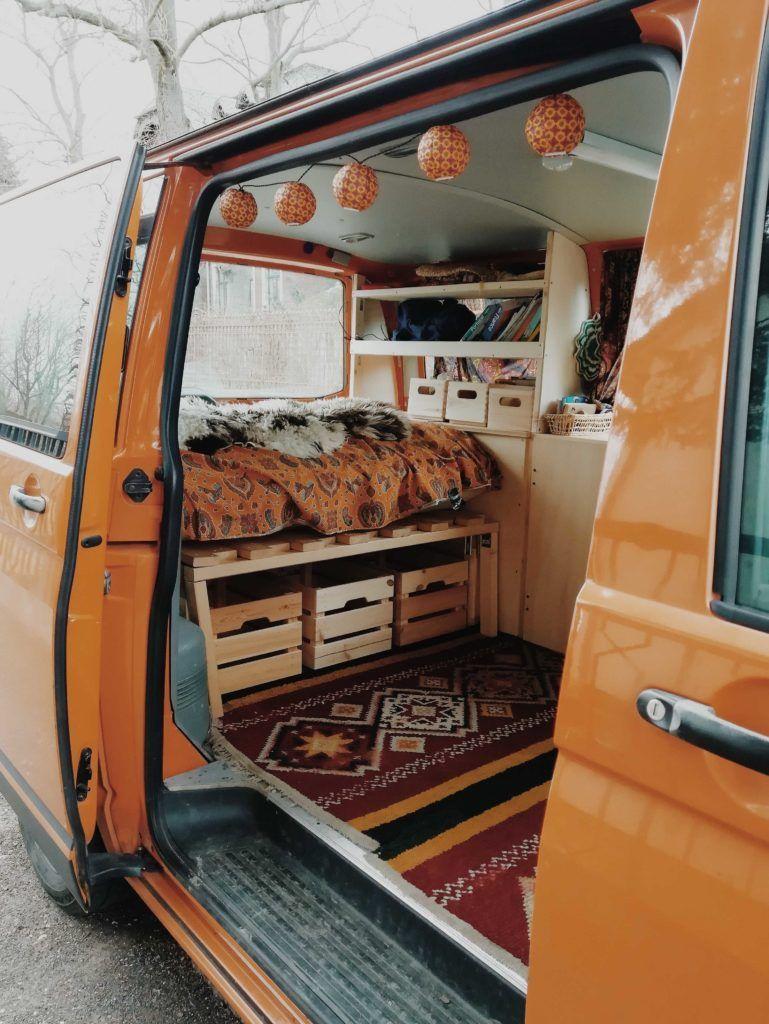 Vw T5 Ausbauen Ein Schrauberinterview Mit Ella Paulcamper Magazin In 2020 Volkswagen Bus Interior Vw Bus Interior Bus Interior