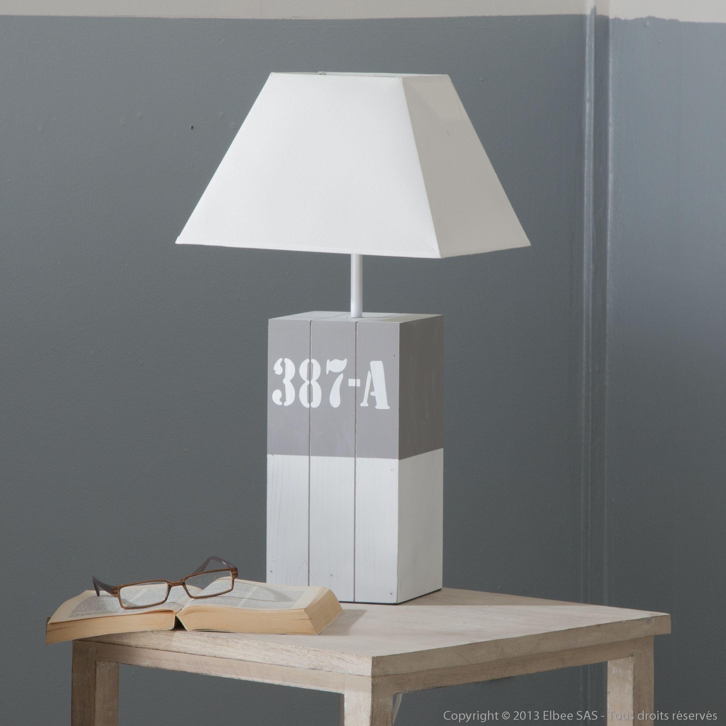 cette lampe poser havana trouvera forc ment sa place chez vous sa structure en bois et son. Black Bedroom Furniture Sets. Home Design Ideas