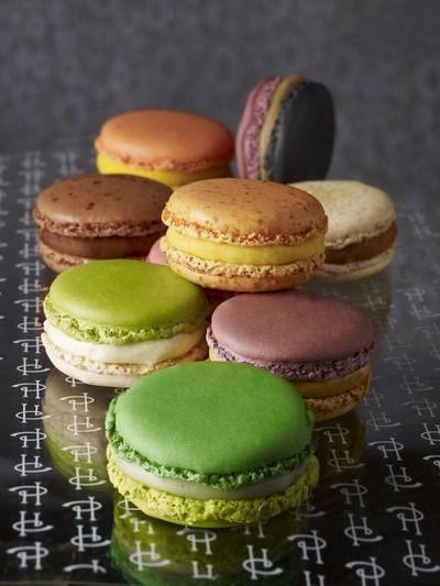 """750g vous propose la recette """"Macaron infiniment chocolat par pierre hermé"""" notée 4/5 par 88 votants."""
