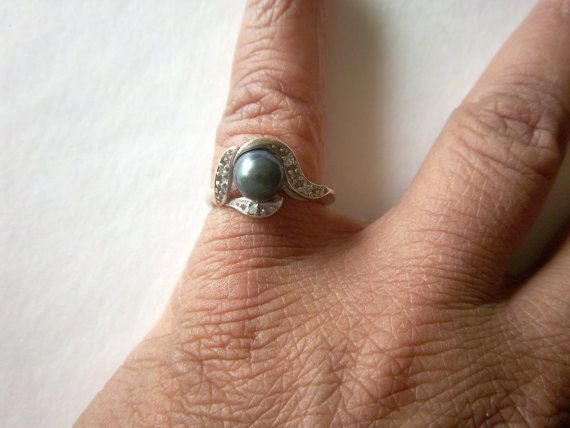 Vintage 14k White Gold Black Pearl Ring Diamonds by StateofVintage