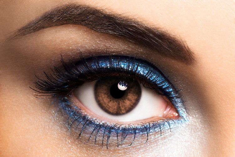 Braune Augen betonen