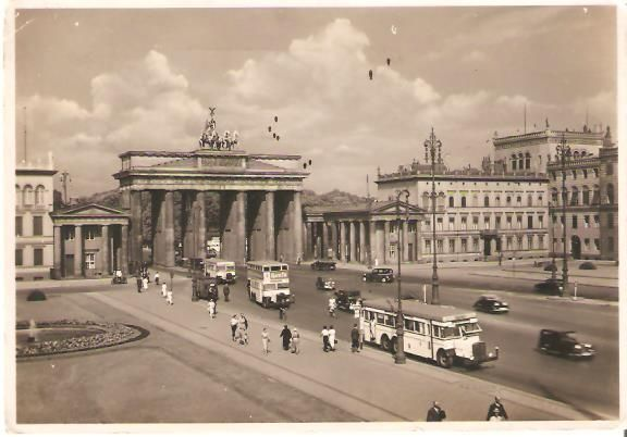 Berlin Pariser Platz Mit Brandenburger Tor 1939 Berlin Berlin Geschichte Historische Fotos