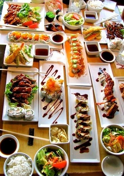 sushi sushi sushi - I DON'T eat it all ... some I do, But what a Pic ! ART ...