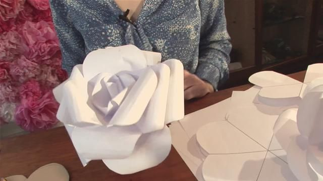 Diy how to make handmade paper flowers wedding backdrophow great diy how to make handmade paper flowers wedding backdrophow great are these and cheap love working with your ownyou can have so much pride in doing your mightylinksfo