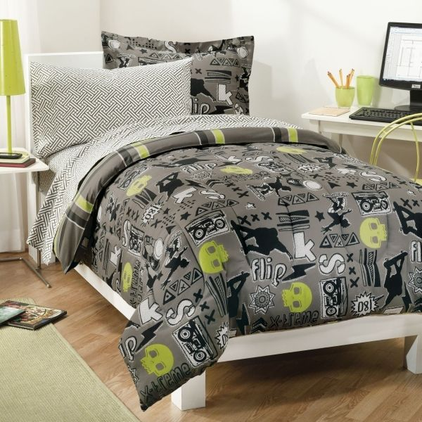 twin comforter sets for boys | ... Skater Bedding Set | Boys Skate Board Comforter, Sheets and Sham TWIN