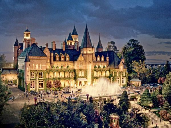 "Jay Gatsby's house West Egg: Gatsby's house was inspired by places like Oheka Castle, La Selva, and Beacon Towers: ""Looking at images of Beacon Towers, there's something that gives it the feel of the Disneyland castle, and Baz referenced that—the idea that Gatsby was building a fantasy,"" Martin told AD."
