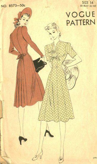 1371 1949 Vintage Sewing Pattern B30 COAT