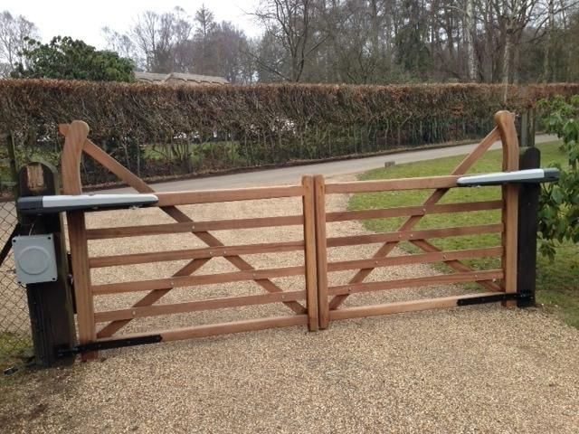 Electric Gates in Herts : Herts Electric Gates Ltd | house