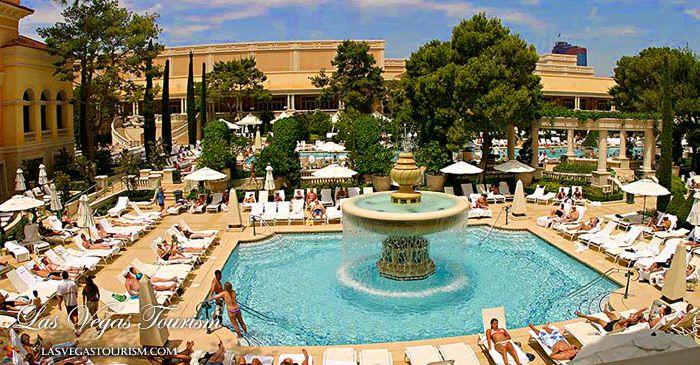 Bellagio Las Vegas Pool Smirnoffsorbet Bellagio Hotel Las Vegas Bellagio Las Vegas Top Honeymoon Destinations
