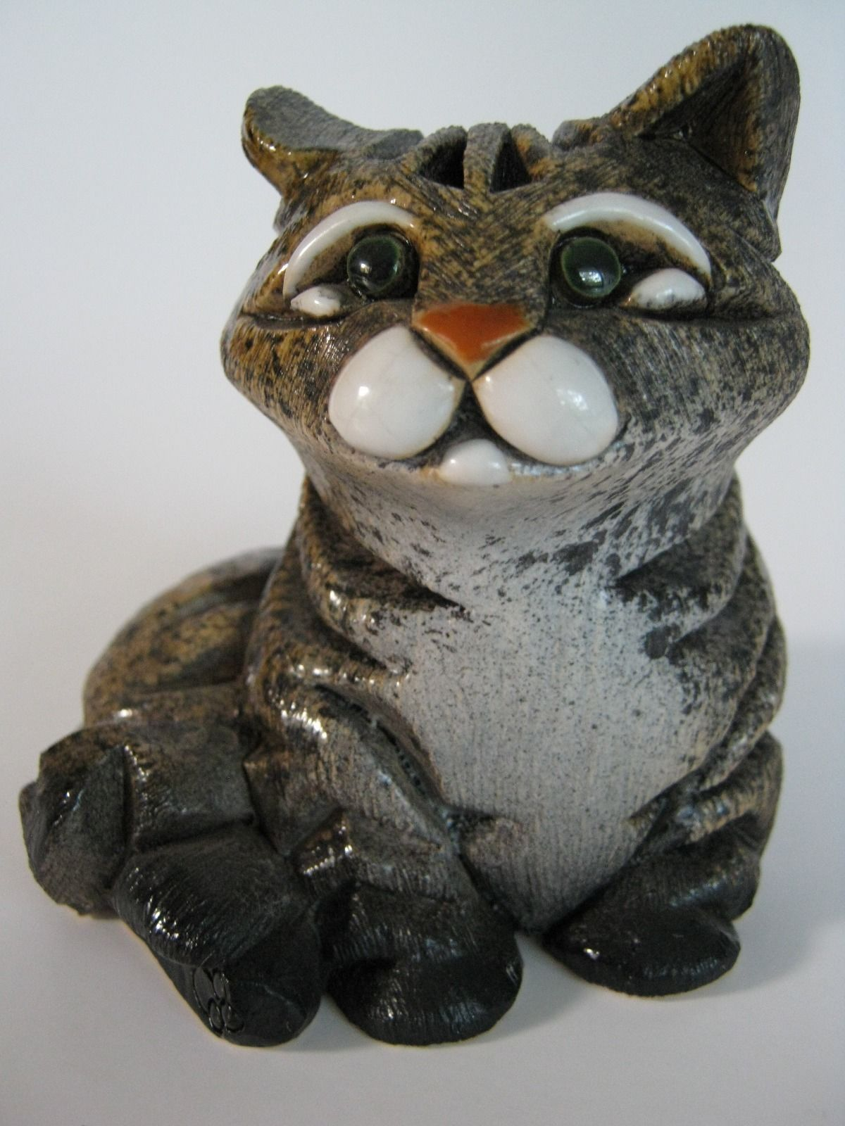 "Vintage Sitting""Cat"" Artesania Rinconada Animal Figurine"