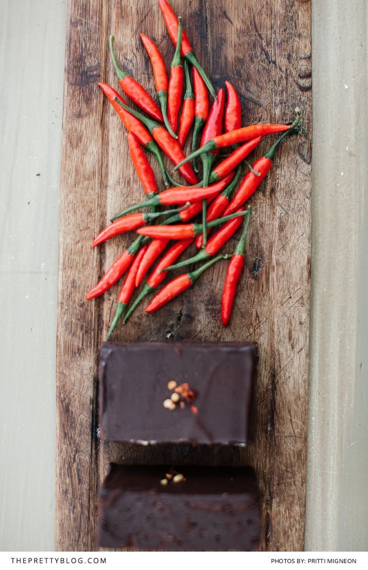 This Entrepreneur Uses The Perfect Combinations Chilli And Chocolate Just Works Bloomin Brilliant Bakery Yummi Sweet Treats Recipes Wine Recipes Pretty Food