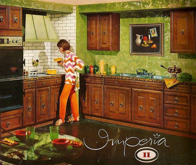 70s Kitchen: No Dishwasher, No Counter Space