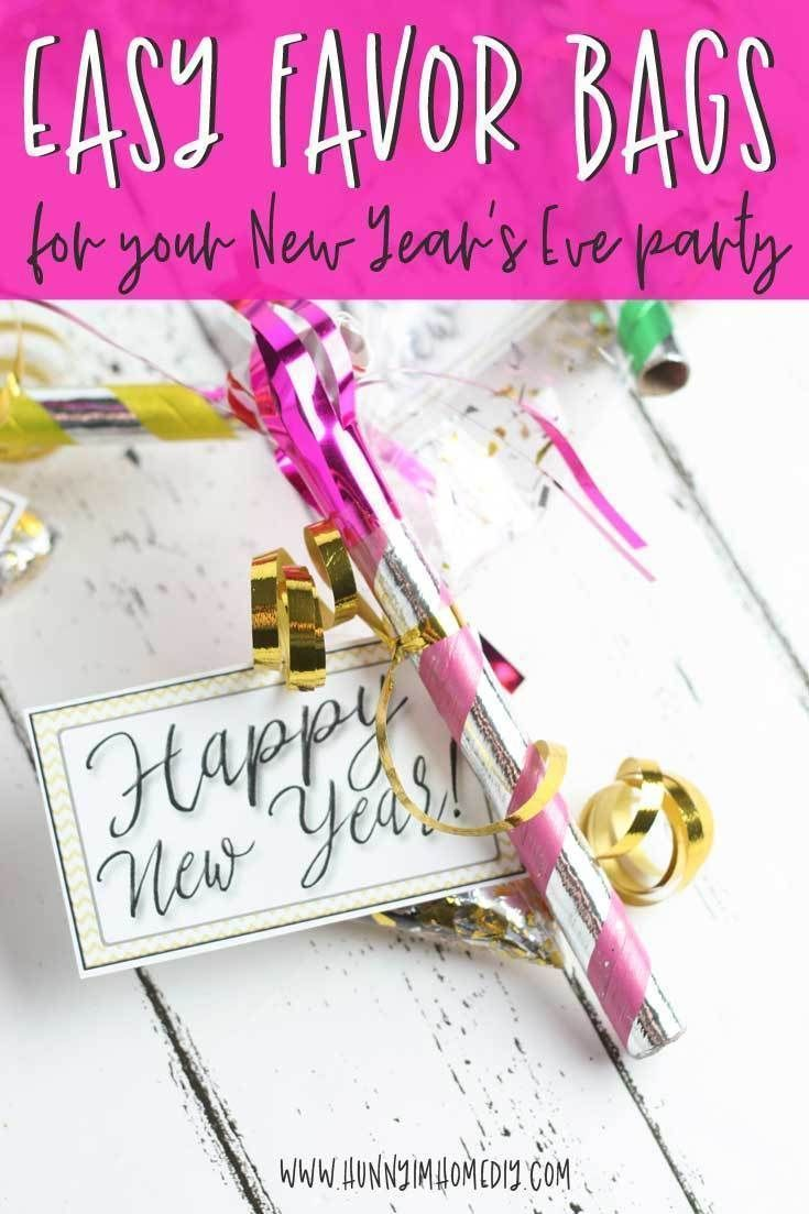 DIY Party Favors Perfect for New Year's Eve | Hunny I'm Home #newyearsevepartyideasfood Whether you need New Years Eve party favors for kids or New Years Eve party favors for adults, these cute confetti bags are perfect! If you're looking for great New Years Eve party ideas, your going to love this easy New Years Eve party favors DIY. If you're throwing an NYE party at home, you need these cute NYE party printables (new years eve party printables)! #NYE #newyearseve #freeprintables