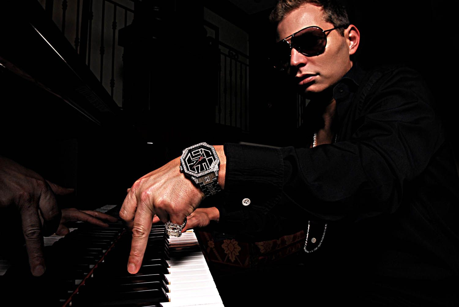 Superproducer: Scott storch on the piano | Hip hop | Mens