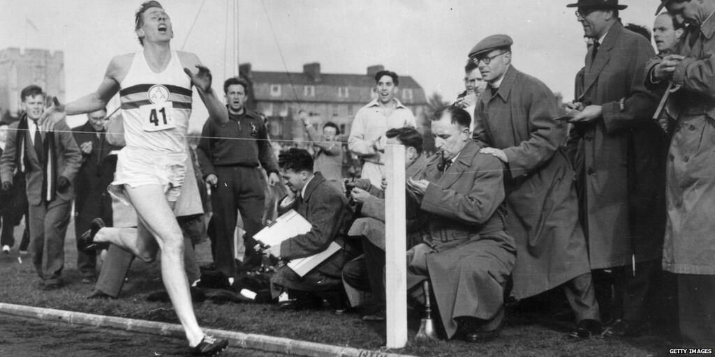 Video: Roger Bannister reflects on making history 60 years ago today http://bbc.in/1kHwZkY  #4minutemile pic.twitter.com/6LKPpsbx4u