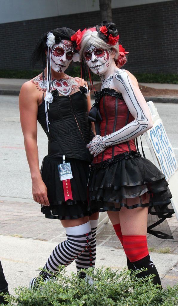 muerte girls at dragoncon