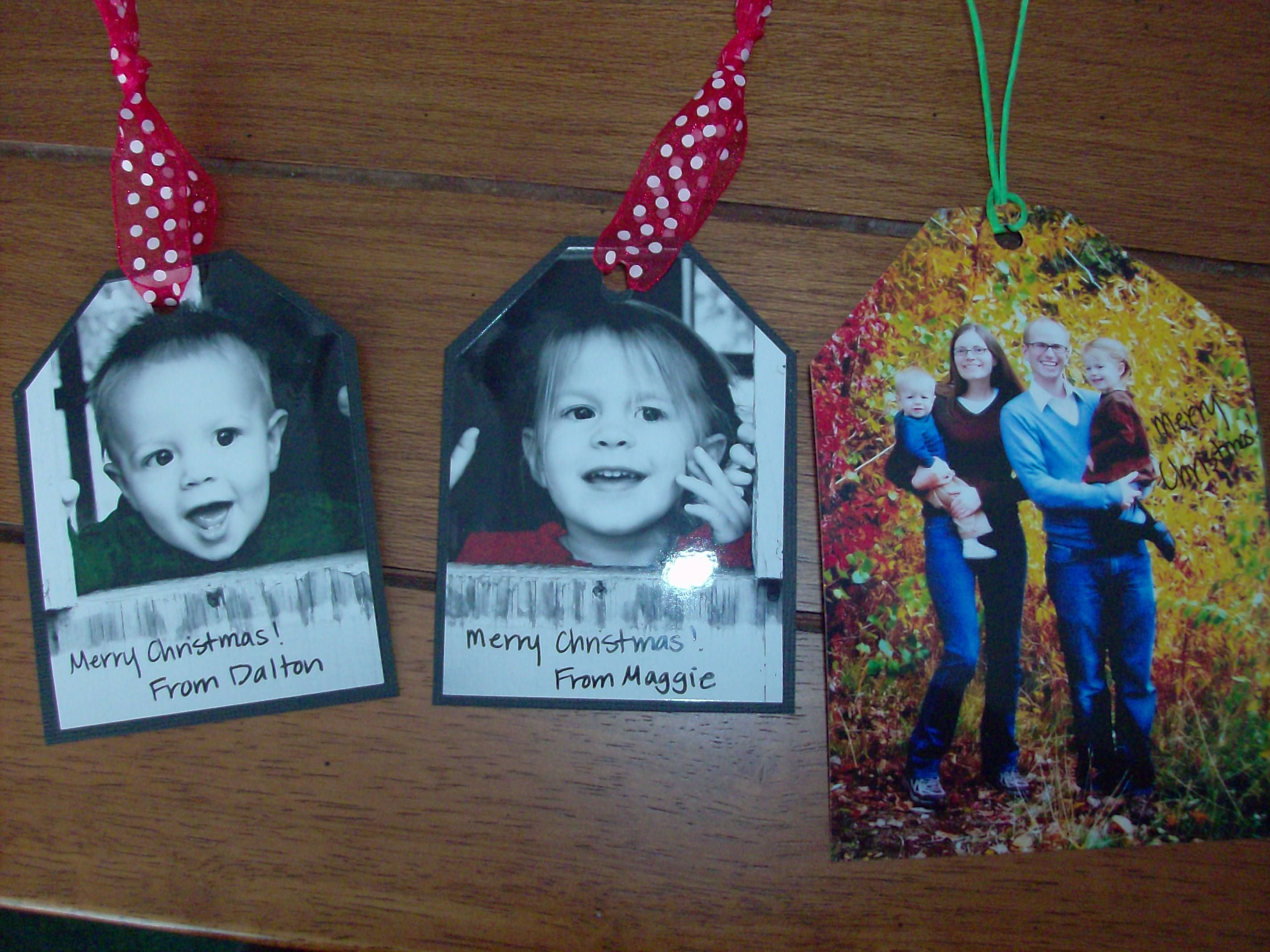 Here's a simple way to turn a photo into a personalized gift tag. I love how these turned out and they are very quick and easy to make. Take advantage of some of these free photo offers to or…