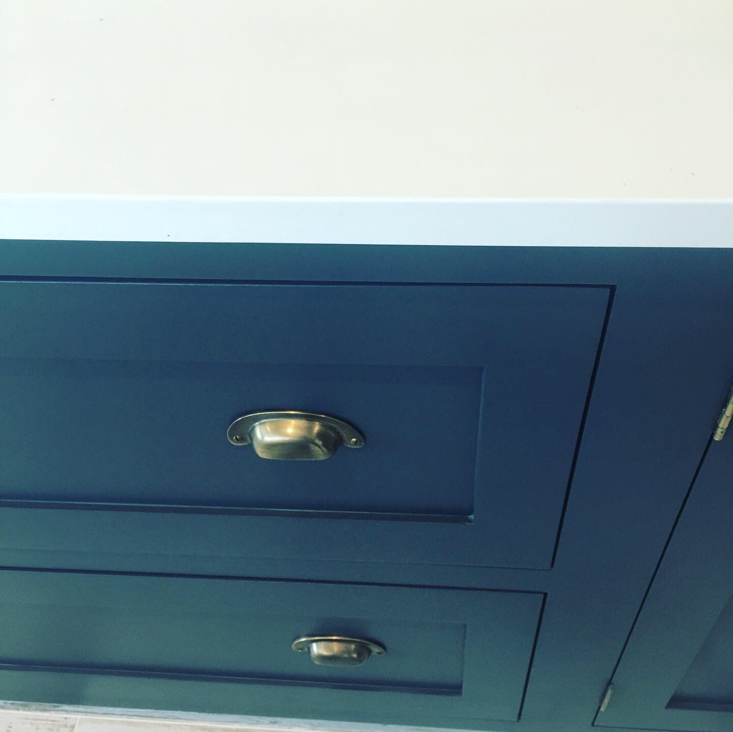 Best Farrow And Ball Railings Kitchen Cabinet Painters Decor 400 x 300