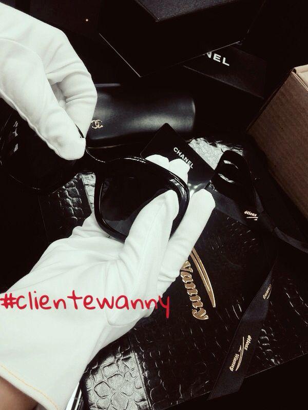 E mais um pedido sendo preparado com todo o carinho para atender a nossos clientes! Quem quer receber essa sacola das Óticas Wanny recheada de novidades?! www.oticaswanny.com