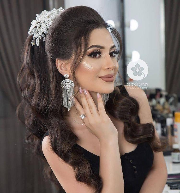 آموزشی تخصصی شینیون میکاپ Moo Arayii Instagram Photos And Videos In 2021 Wedding Hair Inspiration Wedding Hair And Makeup Peinados Hair Styles