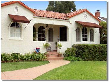 Spear Awnings Scroll Awnings By Superior Awning Spanish Style Homes Spanish House House Exterior