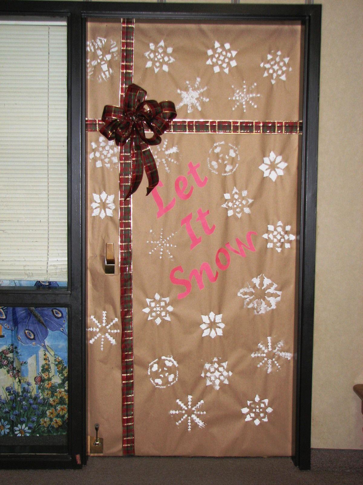 Let it snow! | Christmas Door Decorations | Pinterest ...