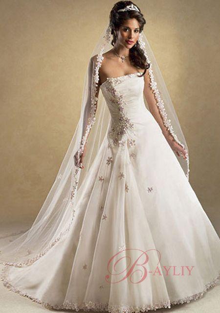 Les plus belles robes de mariee pas cher