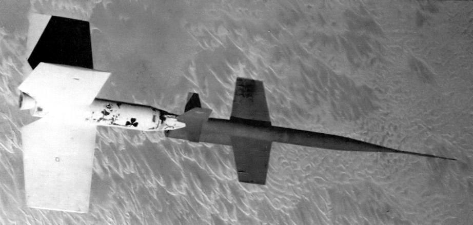 Un X-7 en vol juste après le largage