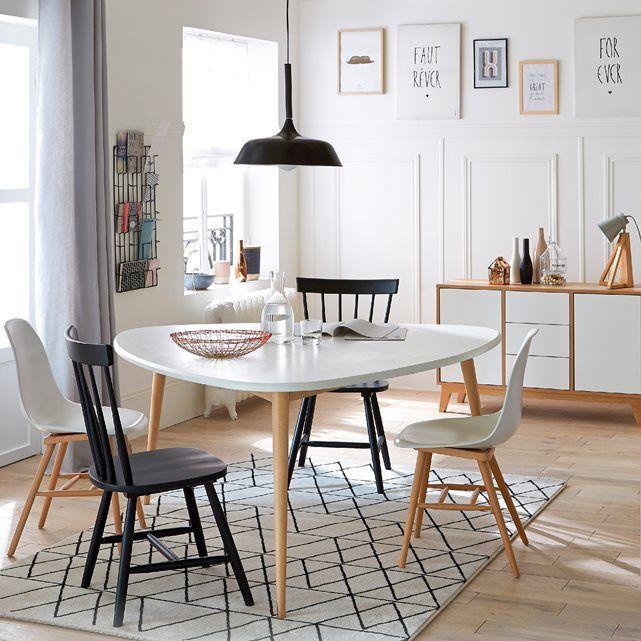 Simplicit des lignes et inspiration scandinave un style for Chaise qui s accroche a la table