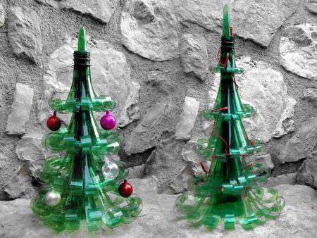 Sapin de Noël avec des bouteilles